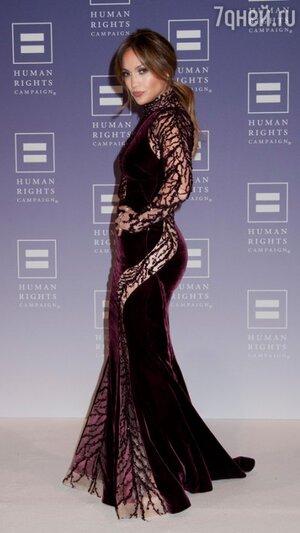 Дженнифер Лопес в платье от Zuhair Murad на церемонии вручения премий Ally for Equality Award 2013
