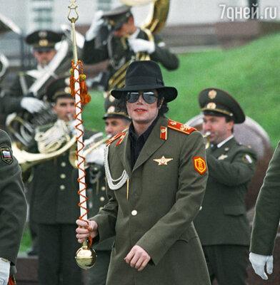 Майкл Джексон во время гастролей в Москве в 1993 году