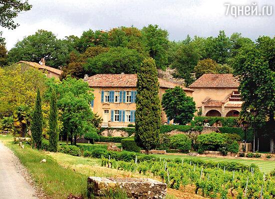 Французская резиденция звездного семейства