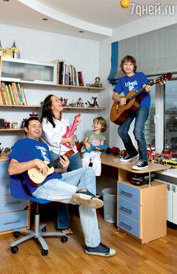 Когда Носковы купили квартиру, сыну исполнилось пять лет, а вот дочка была только в планах, поэтому детскую сделали мальчиковую