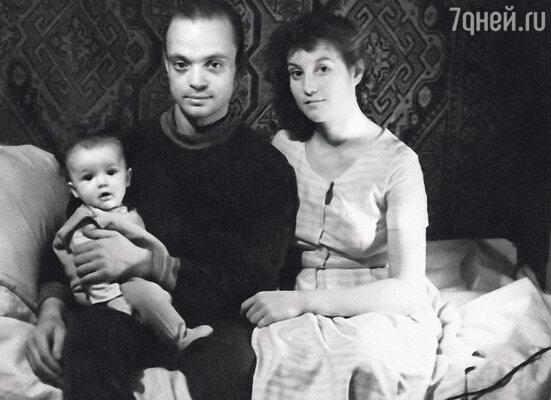 С первой женой Альбиной Владик познакомился на Сахалине (с маленьким Сашей)