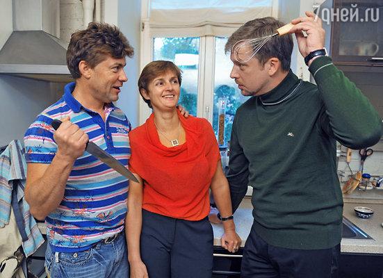 Сергей Белоголовцев с супругой Натальей и Валдис Пельш