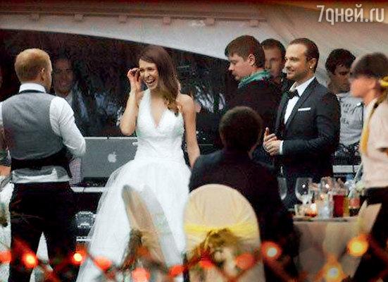 Фотографии свадебного торжества Агния Дитковските выложила на своей персональной интернет-страничке