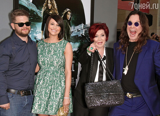 Оззи Озборн с супругой Шэрон и их сын Джек с невестой Лизой Стелли