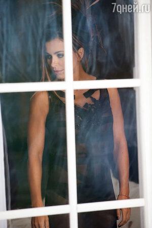Ани Лорак в клипе на песню «Медленно»