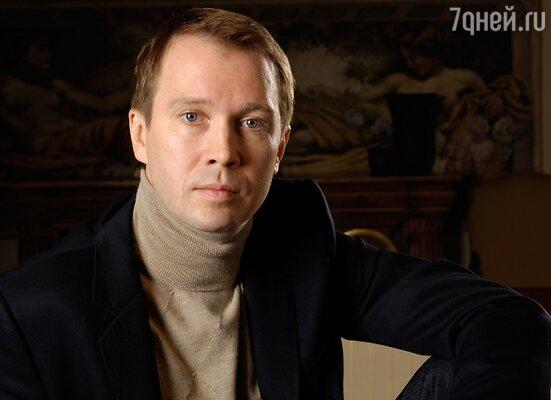 Евгений Миронов очень востребован и известен многочисленными ролями в театре и на киноэкране