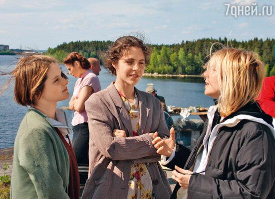 Анна Нахапетова с мамой на съемках фильма «Одна война»