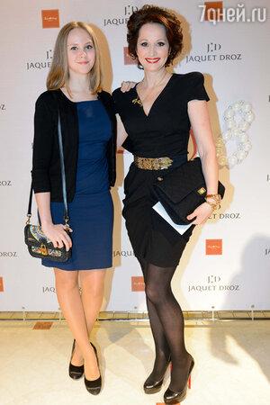 Ольга Кабо с дочерью на презентации швейцарского часового  бренда