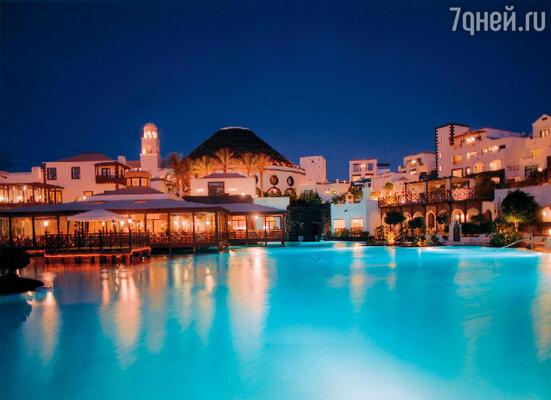 Название столицы острова – Арресифе – означает «белый город»: белые дома с окнами,крашенными яркой краской