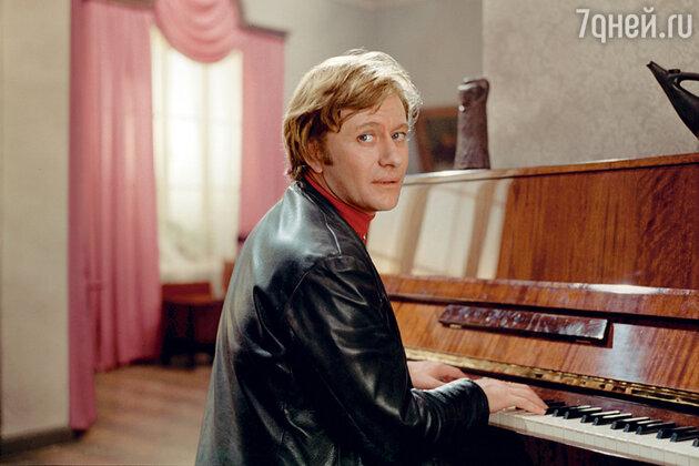 Андрей Миронов