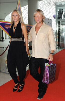 Дмитрий Харатьян с женой