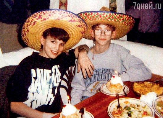 Эштон Катчер с братом-близнецом Майклом. 1992 г.