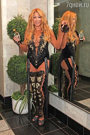 Анита Цой на 16-й церемонии вручения музыкальных наград «Золотой микрофон». 2011 год