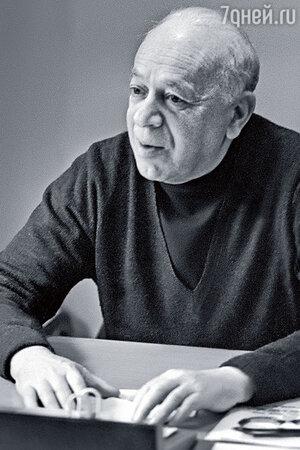 Валентин Николаевич Плучек