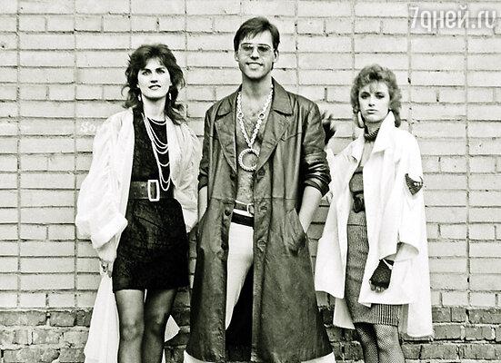 Все девушки, попадавшие в «Мираж», мгновенно становились популярными. Группа «Мираж»: Светлана Разина (слева), Андрей Литягин и Наталья Гулькина