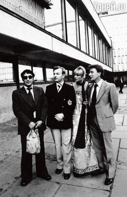 «Когда Таня Егорова, с которой Андрея Миронова связывал многолетний роман, написала свою известную книгу, многие перестали с ней общаться. Но только не я. Ее книжка пусть и резкая, но честная»
