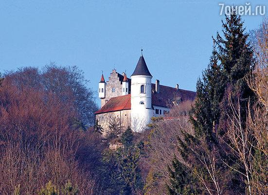 Замок в Баварии, недавно проданный Кейджем