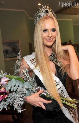 25 ноября пройдет финальное шоу 19-го ежегодного Национального фестиваля красоты и талантов «Краса России-2013» (На фото: Наталья Переверзева, «Краса России-2011»)