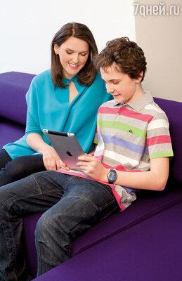 Эшпай страшно балует моего сына. Недавно подарил iPad. Нет худа без добра: Лелик теперь закачивает в него книги и много читает