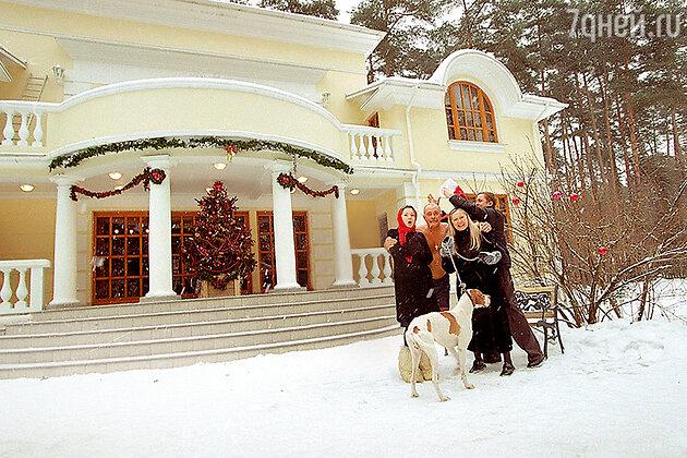 Семья Михалковых на Николиной горе
