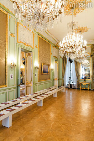 Резиденция посла РФ в Париже, где и прошел показ