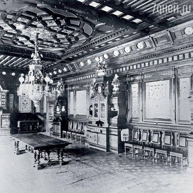 Керамическая столовая в доме Матвея Кузнецова