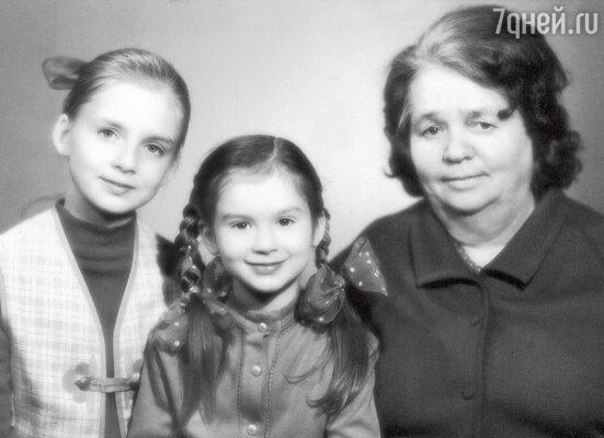 «Папа всегда говорил: «Вы самые лучшие девочки на свете!» Вика и Катя. 1972 г.