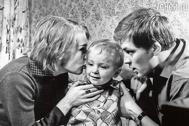 Светлана Светличная с мужем Владимиром Ивашовым и старшим сыном Алексеем