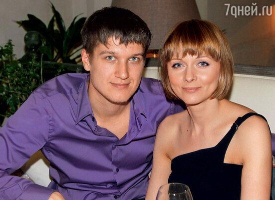 Сколько Толя Руденко был рядом, столько, наверное, меня и обманывал…