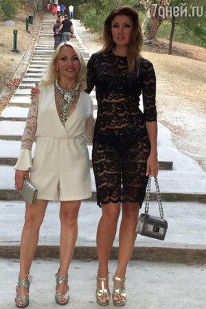 Анастасия Макеева с подругой