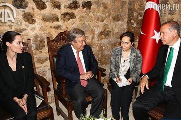 Анджелина Джоли на встрече с президентом Турции