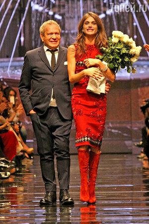 Дизайнер и основатель бренда Эрманно Даэлли и лицо рекламной кампании Ermanno Scervino модель Элиза Седнауи