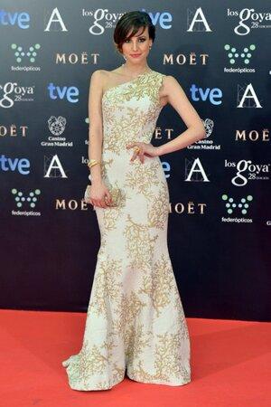 Наталия де Молина в платье от Andrew Gn, с клатчем Swarovski, драгоценностями Carrera y Carrera