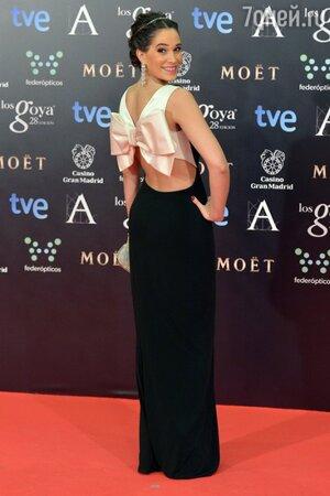 Селия Фрейхейро в платье от Paule Ka