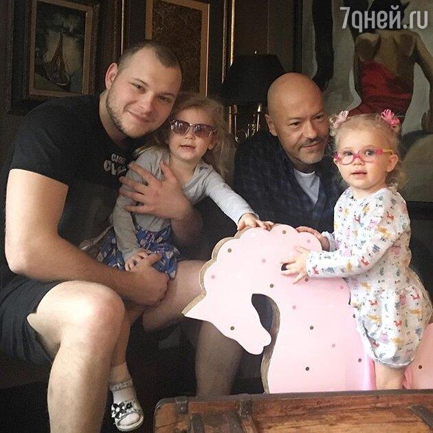 Федор Бондарчук, Сергей Бондарчук и внучки