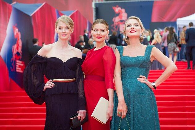 Светлана Ходченкова, Мария Кожевникова и Рената Литвинова