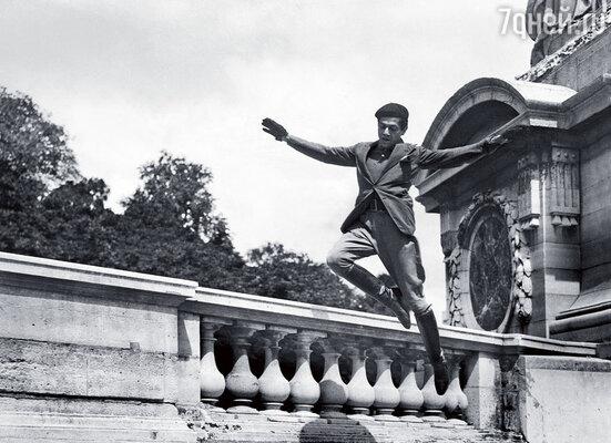 Машины у самого знаменитого балетного танцовщика Франции  Сержа Лифаря никогда не было. Ее Сержу заменяли прославленные балетные ноги