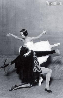 Разъяренная Спесивцева кричала  на все артистические, что Лифарь разучился  делать поддержки и оставляет  на ее теле синяки