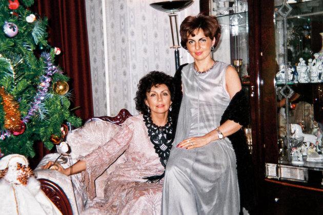 Жена и падчерица Бориса Химичева