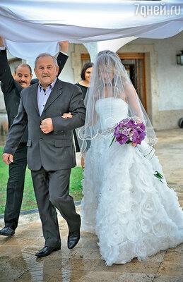 «И в Испании, и в России считается, что жениться вдождь — это к счастью идолгой совместной жизни»