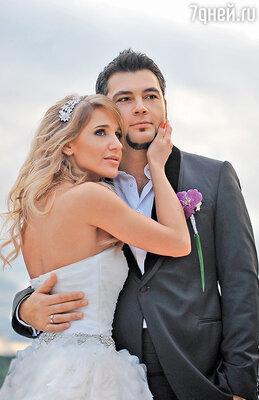 «Свадьба — дело сложное, но очень важное. Слушайте свое сердце, ионо точно вам подскажет, когда и как все должно произойти»