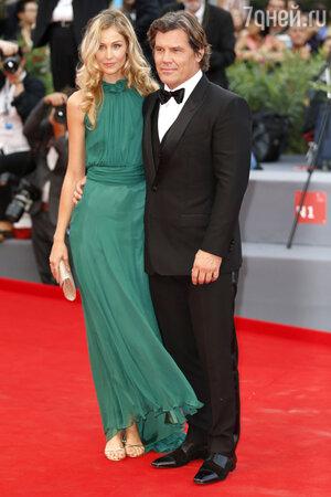 Джош Бролин с супругой Кэтрин Бойд