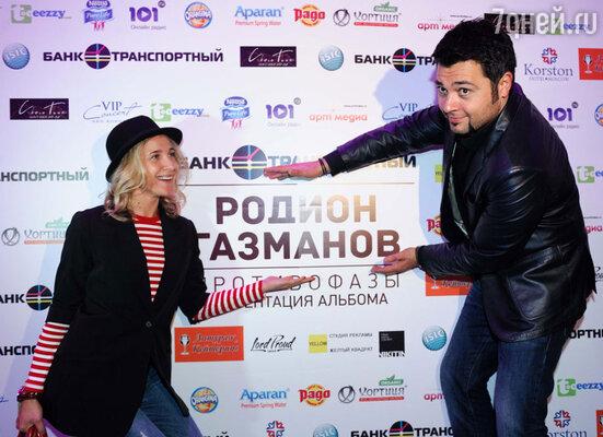 Одними из последних на вечеринку приехали Алексей Чумаков и Юлия Ковальчук