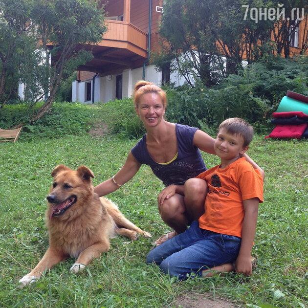 Алиса Гребенщикова с сыном Алексеем