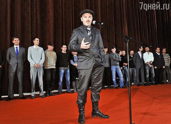 Режиссер Илья Хотиненко и съемочная группа фильма