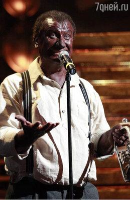 Одним из самых запоминающихся перевоплощений Пенкина стал образ темнокожего певца Луи Армстронга