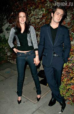Кристен почти пять лет встречалась с актером Майклом Ангарано