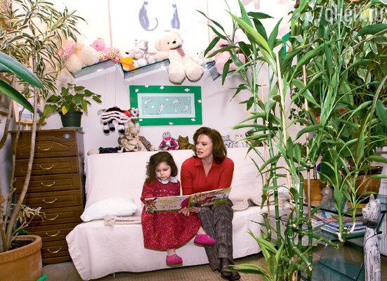 Светлана Сорокина работает на радио «Эхо Москвы», ведет для начинающих журналистов мастер-классы и воспитывает дочку Тонечку