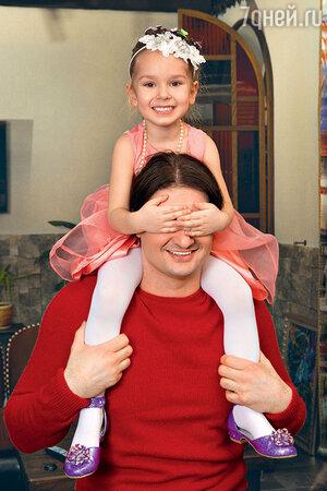Эдгард  Запашный с  дочкой