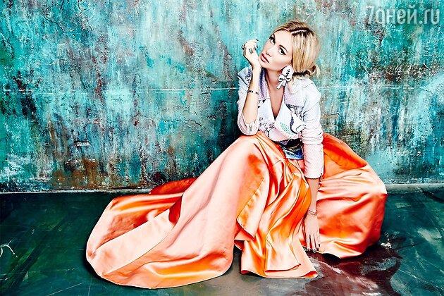 2015 г. Фото из личного архива. Куртка Mary Katrantzou, юбка Christian Dior